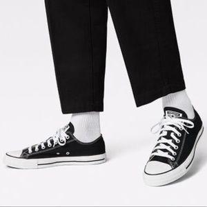 Converse Chuck Taylor Black Low Top Sneaker Sz 7